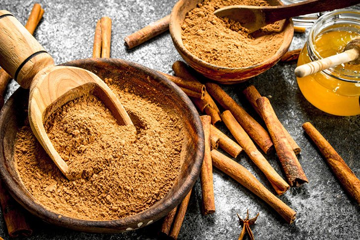 Cystic Acne Treatments: Honey and Cinnamon Mask